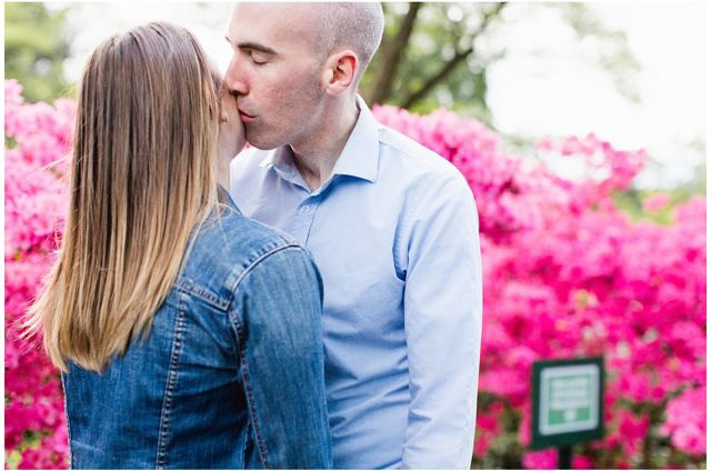 fort tryon park engagement photos